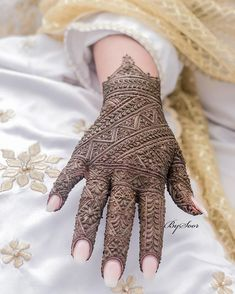 Kashee's Mehndi Designs, Cute Henna Designs, Indian Henna Designs, Mehndi Designs For Girls, Bridal Henna Designs, Mehndi Designs For Beginners, Mehndi Design Photos, Mehndi Designs For Fingers, Latest Mehndi Designs