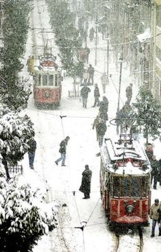 A snowy day in… Istanbul, Turkey! I know it snows in Istanbul, but I always have a hard time picturing it as anything but warm. (via istanbul foto istanbul photo istanbulun resimleri) Winter Szenen, I Love Winter, Winter Magic, Winter Is Coming, Winter White, Winter Christmas, Christmas Town, Christmas Travel, Thanksgiving Holiday