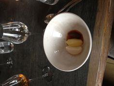 Dessert. Plommonsorbet ut höger, potatismos mitten och en smått magisk grädde smaksatt med plommonkärnor och ytterligare ngt, mailat Noma om ingridienserna.