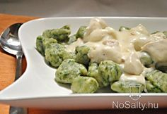 Do you like to enjoy fine gnocchi or chicken? - Do you like to enjoy fine gnocchi or chicken? In this recipe you have it at once, but gnocchi are e - Meat Recipes, Vegetarian Recipes, Chicken Recipes, Healthy Recipes, Gnocchi Recipes, Hungarian Recipes, Hungarian Food, Vegas, Love Food