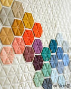 """Different idea on how to build a Hexie quilt. (Beautifully geometric """"Machine Stitched Hexagons"""" by Nicole Daksiewicz of Modern Handcraft. Motif Hexagonal, Couture Main, Embroidery Designs, Crewel Embroidery, Motifs Textiles, Quilt Modernen, Ideias Diy, Quilt Festival, Patchwork Quilting"""