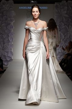 The glamorous silk Gabriella gown by Couture bridal designer Angelina Colarusso. Dream Wedding Dresses, Wedding Gowns, Do It Yourself Fashion, Evening Dresses, Formal Dresses, Vintage Evening Gowns, Bridal Fashion Week, Beautiful Gowns, Dream Dress