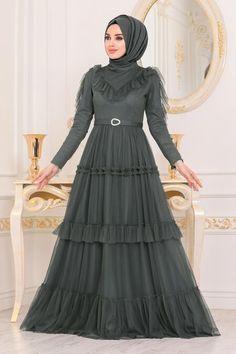 Evening Dresses - Neva-style.com Hijab Evening Dress, Hijab Dress, Evening Dresses, Dress With Shawl, The Dress, Grey Fashion, Hijab Fashion, Black Hijab, Mink Colour