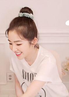 Seulgi, Red Velvet Photoshoot, Red Valvet, Just Beauty, Red Velvet Irene, Face Skin Care, Thing 1, Lip Art, Kpop Fashion