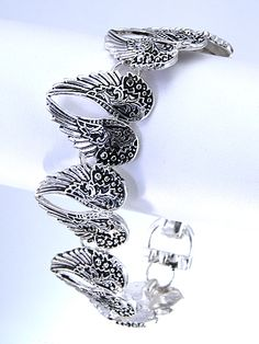 Angel Wings Bracelet - Bracelet Room Angel Wing Bracelet, Trendy Bracelets, Angel Wings, Jewellery, Silver, Room, Accessories, Bedroom, Jewels