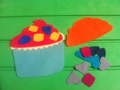 lots of busy bag ideas... build a cupcake, popsicle stick puzzle, Easter egg matching, etc.
