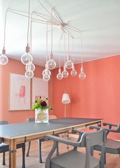 Orange color wall | Espace Muuto Copenhague - Photography by Igor Josifovic - Via http://www.happyinteriorblog.com/