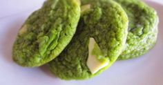 Great recipe for Matcha Green Tea and White Chocolate Cookies. I'm a huge fan of American chewy chocolate chip cookies. I even think I eat more cookies than Elmo. I tried making cookies in the American way but with Japanese ingredients like green tea MATCHA. You know you can't buy these cookies at the store. If you like ice cream, try making ice cream sandwiches! It's freaking amazing! woooo.