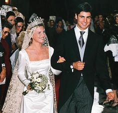Eugenia Martinez de Irujo, 12th Duchess of Montor married Francisco Rivera Ordóñez at Seville Cathedral On October 23, 1998. The couple divorced in 2002, and had a one child