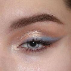 "blue eyeshadow History of eye makeup ""Eye care"", quite simply, ""eye make-up"" Makeup Eye Looks, Eye Makeup Art, Cute Makeup, Eyeshadow Looks, Pretty Makeup, Skin Makeup, Eyeshadow Makeup, Blue Eyeshadow, Fairy Makeup"