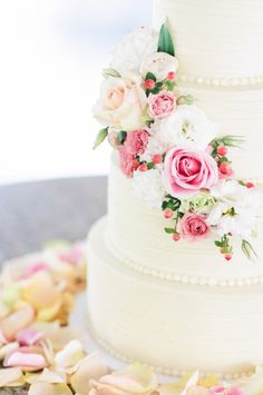 Wedding cake with rose and flower detail: http://www.stylemepretty.com/alabama-weddings/2014/09/15/heirloom-alabama-wedding-at-the-summit-at-big-spring/ | Photography: White Rabbit Studios - http://thewhiterabbitstudios.com/
