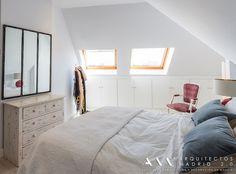 https://www.homify.es/libros_de_ideas/30172/6-alternativas-para-almacenar-ropa-en-tu-dormitorio dormitorio kitsch - moderno : Dormitorios de estilo mediterráneo de Arquitectos Madrid 2.0