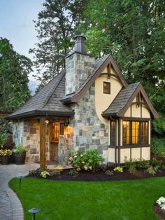 .if i lived in a tiny house Tudor Cottage, Small Cottage House, Cottage Plan, Cottage Style, Tudor House, Backyard Cottage, Garden Cottage, Cute Cottage, Cozy House