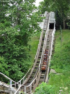 Jack Rabbit - Kennywood (West Mifflin, Pennsylvania, USA) The first and last roller coaster I went on. Amusement Park Rides, Abandoned Amusement Parks, Abandoned Places, Great Places, Places To Visit, West Mifflin, Haunted Hotel, Pittsburgh Pa, Roller Coasters