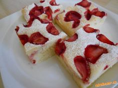 Super nadýchaná rychlá a jednoduchá hrnkovka buchta s jahůdkami Sweet Recipes, Snack Recipes, Dessert Recipes, Cooking Recipes, Snacks, Yummy Treats, Sweet Treats, Yummy Food, Sweet Cooking