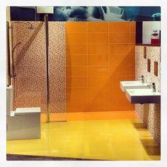 Δημιουργίες των εκθέσεων μας στην Ανθούσα, Πειραιά και Χαϊδάρι. Μπάνιο Χαϊδαρίου. Μάθετε περισσότερα στο www.kypriotis.gr - #kypriotis #kipriotis #plakakia #plakidia #anakainisi #athens #ellada #greece #hellas #banio #dapedo Curtains, Shower, Bathroom, Prints, Rain Shower Heads, Washroom, Blinds, Full Bath, Showers