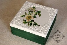 Discover thousands of images about szkatułka na biżuterię decoupage Decoupage Glass, Decoupage Box, Diy Recycling, Painted Wooden Boxes, Handmade Jewelry Box, Sewing Room Decor, Matchbox Crafts, Pretty Box, Altered Boxes