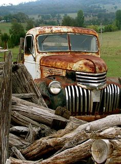 old truck, log fence old truck, log fence Old Pickup Trucks, Farm Trucks, Cool Trucks, Chevy Trucks, Log Fence, Pompe A Essence, Rust In Peace, Abandoned Cars, Abandoned Places