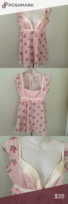 Free people babydoll top Size six floral print baby doll top by free people, no flaws! Made of silk and cotton. Free People Tops Blouses