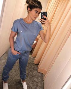 Scrubs Outfit, Scrubs Uniform, Beautiful Nurse, Cute Scrubs, Cute Nurse, Scrub Jackets, Nursing Clothes, Nursing Shoes, Medical Scrubs