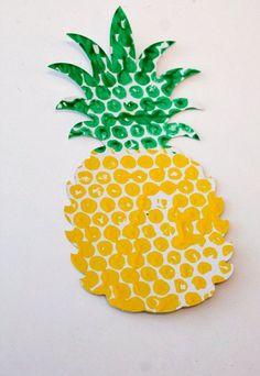 Bubble Wrap Printed Fruit & Veg - Im Spielzimmer - Luftpolsterfolie Ananas Imprimé Früchte handwerklich - Kids Crafts, Daycare Crafts, Summer Crafts, Toddler Crafts, Arts And Crafts, Bubble Wrap Crafts, Bubble Wrap Art, Diy With Kids, Art For Kids