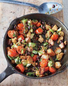 Southwestern Breakfast Hash #recipe #food #breakfast (sweet potato and black beans and no eggs!!)