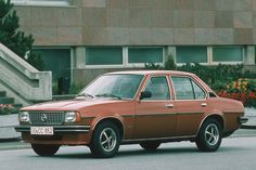 Opel Ascona B Berlina, 1975 - 1981