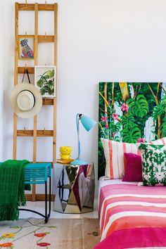 Decorar con colores brillantes como fucsia, verde y turquesa. Una producción imperdible de #LivingMarzo (los datos de todos los productos, en la nota).