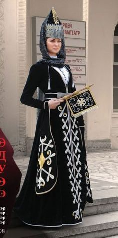 Circassian girl dress with a embroidered fan Circassian clothes / the attention of fashion