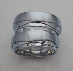 Velmi netradiční snubní prsteny z bílého zlata