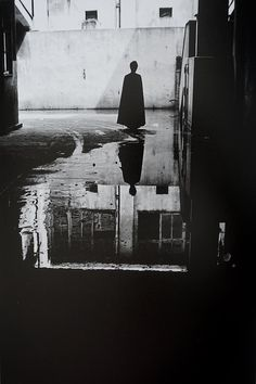 """hauntedbystorytelling: """" Masahisa Fukase :: Slaughter, 1963 / src: manundertheinfluence This image, among others, captured in the summer of would result from this series would represent the pivotal moment in which the photographer's life. Japanese Photography, Fine Art Photography, Street Photography, Portrait Photography, Fashion Photography, Photo Images, Photo D Art, Film Inspiration, Faye Dunaway"""
