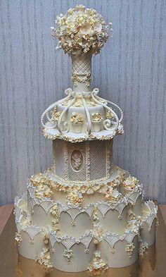 crazy wedding cakes By Jane Zubov - weddingcake Crazy Wedding Cakes, Amazing Wedding Cakes, Elegant Wedding Cakes, Elegant Cakes, Wedding Cake Designs, Amazing Cakes, Extreme Wedding Cakes, Fondant Cupcakes, Cupcake Cakes