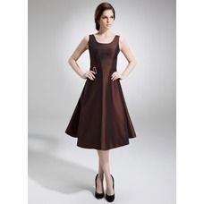 A-Line/Princess Scoop Neck Knee-Length Taffeta Mother of the Bride Dress With Beading (008005978)