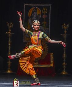 ♪┗ ( ・o・) ┓♪ A Visual Sermon ♪┏(・o・ )┛♪ Dance Paintings, Indian Art Paintings, Indian Classical Dance, Nataraja, Poses References, India Art, Dance Poses, Dance Pictures, Dance Art