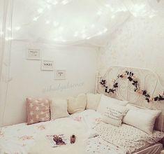 White teen room tumblr