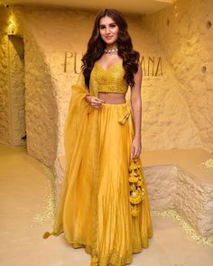 Bollywood fashion 509329039111659822 - Tara Sutaria's Latest Bright Yellow Lehenga Can Be A Perfect Pick For Your Next Wedding You Will Attend – HungryBoo Source by sanaxhan Seoul Fashion, Tokyo Fashion, New York Fashion, Women's Fashion, Kurta Designs, Lehenga Designs, Dress Designs, Street Style Trends, Dress Indian Style