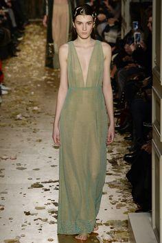 Valentino Spring 2016 Couture Fashion Show - Irina Djuranovic