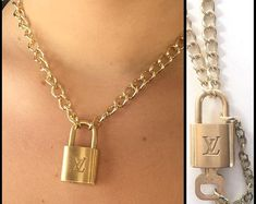 Lock Necklace This edgy jewelry is made from an authentic vintage Luxury lock and gold tone chain. It's a very stylish statement necklace. It measures 16 cm) and has a 3 cm) extender. The key Louis Vuitton Schmuck, Louis Vuitton Necklace, Louis Vuitton Jewelry, Louis Vuitton Handbags, Women's Handbags, Burberry Handbags, Padlock Necklace, Moon Necklace, Cute Jewelry