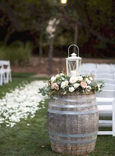 Outdoor Wedding Ceremonies Cozy Backyard Wedding Decor Ideas For Summer 14 - Are you interested in backyard weddings? Planning this type of wedding may be the best idea for your forthcoming wedding […] Outdoor Wedding Decorations, Ceremony Decorations, Wedding Themes, Wedding Favors, Wedding Events, Wedding Ceremony, Backyard Wedding Invitations, Outdoor Wedding Flowers, Country Wedding Flowers