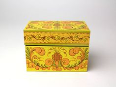 Vintage Avon Tin Recipe Box  Floral Yellow Gold by ChummbleVintage