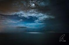 Moonlight #Calabria #calabriainfoco #Céu #Italia #Lua #Mar #moon #moonlight #Nature #night #nightsky #Noite #Ocean #SanLucido #Sea #seascape #Summer #travel #Viagem