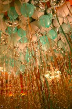 Balloon Trends :: Make your party POP!  20+ Classy Balloon Ideas!