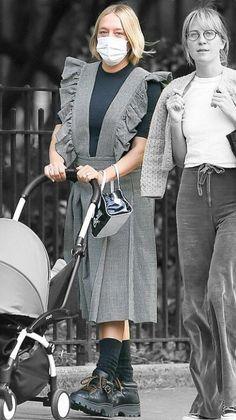 Chloe Sevigny in New York City, New York on Tuesday 22/09/2020 #VeronicaTasmania Chloe Sevigny Style, Mena Suvari, Off Duty, Veronica, Color Splash, Tuesday, Product Description, Street Style, York