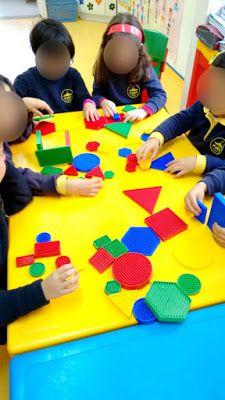 Blogue do Jardim Escola Carrocel: Blocos Lógicos Petite Section, Sensory Bins, Fine Motor Skills, Best Part Of Me, Kids Rugs, Fun, Decor, Geometric Form, Special Education