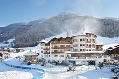 Hotel Review Unterschwarzachhof: 4*s in Saalbach Hinterglemm Spa, Das Hotel, Hotel Reviews, Best Hotels, Austria, Winter, Mount Everest, Skiing, Europe