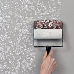 easy wallpaper with roller stamp. Love the birds!!!