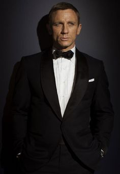 Every time I put on a suit, I make sure it's up to James Bond's standards.  #sundays #menswear