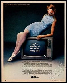 1967-Jean-Shrimpton-photo-in-Jane-Irwill-dress-Durene-fabric-vintage-print-ad