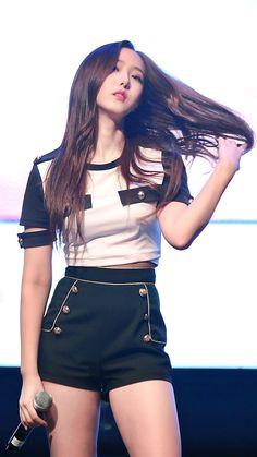 Pretty Asian, Beautiful Asian Girls, Stage Outfits, Kpop Outfits, South Korean Girls, Korean Girl Groups, Get Skinny Legs, Sinb Gfriend, G Friend