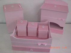 Kit Bebê: * Caixa higiene * Lixeira * Porta fralda  Podendo ser feito em outras cores e modelos.
